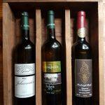Wijnpakket met Johanniter 2011, Solaris 2013 en Reeborgh Rood 2014.  Actieprijs €34 (normaal €37)
